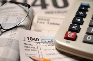 Возврат страховки, процентов и комиссий по кредиту при его досрочном погашении: вернём деньги за навязанные услуги
